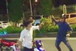 Vung dao tấn công cảnh sát rồi nhảy xuống sông Sài Gòn lẩn trốn