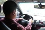 Cấm taxi Uber hoạt động, lái xe lo vỡ nợ trăm triệu đồng