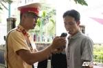 Ảnh: CSGT Hà Nội lập chốt gần nhà hàng, quán nhậu xử lý 'ma men'