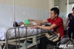 Hinh anh Chang trai liet 2 chan phai ngoi xe lan dam me thien nguyen 8