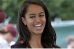 Video: Con gái cựu Tổng thống Obama giật đùng đùng, lăn lê ngoài bãi biển