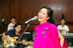 Hồng Nhung tươi tắn tập luyện cho liveshow 'Tuổi thơ tôi'