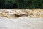 Lũ trên sông Hồng lên cao bất thường sau 30 năm