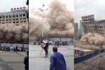 Tòa nhà 12 tầng đổ sụp như tận thế, dân hoảng hồn tháo chạy
