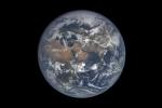 Time-lapse 1 năm trôi qua trên Trái đất từ camera EPIC của NASA