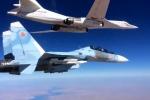 Video: 'Chim thép' Su-30SM hộ tống 'Thiên Nga Trắng' Tu-160 phóng tên lửa diệt IS