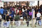 Ảnh: Dân Thủ đô nhộn nhịp mua sắm trong ngày Black Friday