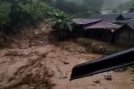 Video: Lũ quét ầm ầm như thác đổ ở Yên Bái, người dân thoát chết trong gang tấc