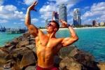 Chàng trai khổ luyện có thân hình 6 múi, nâng tạ 230 kg