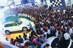 Khi nào giá ô tô Việt Nam bằng giá xe trong khu vực?