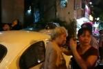 Bị ông Đoàn Ngọc Hải xử phạt xe đậu vỉa hè, người phụ nữ dẫn cụ bà đến xin xỏ