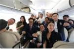 Tổng thống Philippines selfie trên chuyến bay tới Việt Nam