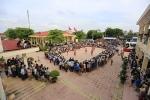 Video: Tuyển bóng chuyền nữ Việt Nam đấu trai làng ở đất vải Thanh Hà