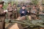 Cuốn sổ tay bí ẩn các quan chức tháp tùng ông Kim Jong-un luôn mang theo bên người