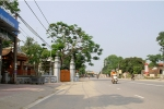 Quốc lộ 'cong mềm mại' ở Hà Tĩnh: Nhà thờ họ Đặng đã di dời hàng rào
