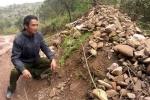 Ngôi mộ kỳ lạ ở Lạng Sơn, ai đi ngang qua cũng phải... ném đá