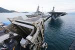 Cận cảnh tàu viễn chinh 'lướt đại dương' Mỹ đang ở Cam Ranh