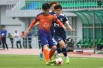 Dừng hình trận đấu đầu tiên của Xuân Trường trong màu áo Gangwon