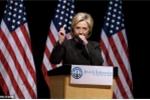 Video: 4 phút 'ác mộng' trên bục vận động tranh cử của Hillary Clinton