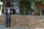 Nâng đường chống ngập ở TP.HCM, dân lo nhà thành hồ chứa nước