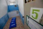 Cận cảnh nhà tù mỗi phạm nhân sống trong chưa đầy 1 m2