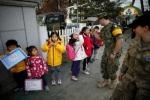 Trẻ Hàn Quốc học tiếng Anh ở 'nơi đáng sợ nhất thế giới'