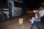 Kinh hãi phát hiện 120 con rắn hổ mang trên xe khách