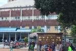Bệnh nhân HIV cầm kéo rượt bác sỹ, đại náo phòng cấp cứu