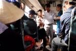 Clip: Giang hồ lừa đảo ngang nhiên đánh dã man hành khách trên xe bus
