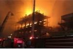 Ảnh: Cháy nhà máy hóa chất Trung Quốc, lửa bốc rực trời