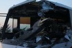 Xe tải đối đầu xe khách trên cao tốc, 5 người thương vong