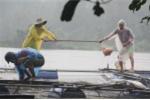 Xả lũ trước khi địa phương nhận thông báo, hộ nuôi cá ven sông thiệt hại nặng - ảnh 2