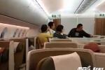 Dọa đánh tiếp viên Vietnam Airlines, khách Trung Quốc bị phạt 7,5 triệu đồng