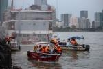 Làm gì khi 2 tàu chở hàng trăm khách đâm nhau, cháy dữ dội trên sông Sài Gòn?