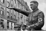 Trùm phát xít Hitler bị dị dạng chỗ khó nói