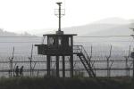 Hàn Quốc bắn hàng trăm quả đạn pháo gần biên giới Triều Tiên