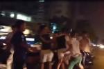 Đuổi đánh tài xế xe ôm, thanh niên 'hổ báo' bị nhóm người can ngăn đánh hội đồng