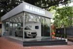 Cận cảnh showroom ô tô bé nhất Việt Nam và chiếc móc chìa khóa giá 1 triệu đồng