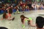 Dàn chân dài mặc bikini nhảy nhót phản cảm trước hàng trăm trẻ em: Đại diện công viên nói gì?