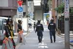 Không có tội phạm, cảnh sát Nhật điều tra cả vụ mất quần đùi