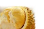 """9Sầu riêng có mùi hương rất nặng. Lưu huỳnh hữu cơ được xem là """"thủ phạm"""" tạo nên mùi hương đặc trưng của trái cây này."""