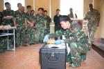 Lục quân Mỹ cùng bộ đội Việt Nam huấn luyện nâng cao năng lực rà phá bom mìn