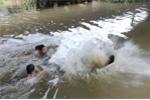 Đi lượm bơ, nhóm học sinh bị đuối nước chết thương tâm