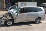 Xe biển xanh va chạm với xe tải, 2 người bị thương