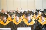 Hiệu trưởng tuyên bố 'giải thoát' cho sinh viên trong lễ tốt nghiệp 'gây sốt' dân mạng