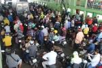 Dân kéo về Sài Gòn sau dịp nghỉ lễ, phà Cát Lái đông nghịt người