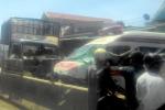 Phá cửa cứu tài xế trong xe cứu thương bị đâm vỡ nát