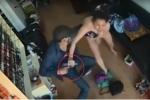 Video: Chủ tiệm Nail chống trả quyết liệt, tên cướp văng súng bỏ chạy