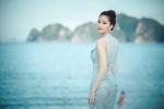 Hoa hậu Đặng Thu Thảo khoe vẻ đẹp mong manh gây thương nhớ trước biển