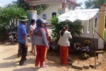 Hàng trăm người đổ xô cúng bái cây chuối lạ ở Huế